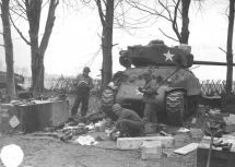 M24 Chaffee del 27th Tank Battalion